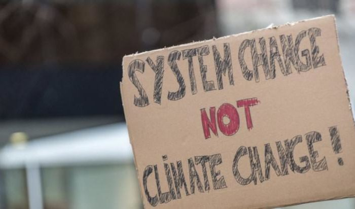 System change not climate change – Auf die Straße zum Klimastreik